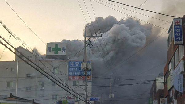 مقتل 31 شخصاً وإصابة أكثر من 70 في حريق في مستشفى بكوريا الجنوبية