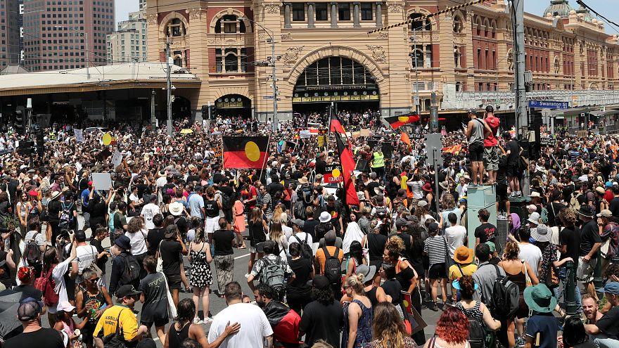 أستراليا تحتفل بيومها الوطني وسط تظاهرات لآلاف النشطاء تطالب بإلغائه