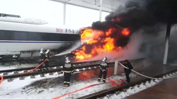 Çin'de hızlı trende yangın çıktı