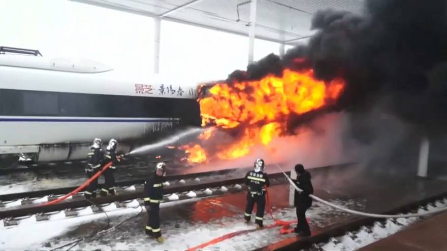 Fuoco sulle rotaie in Cina