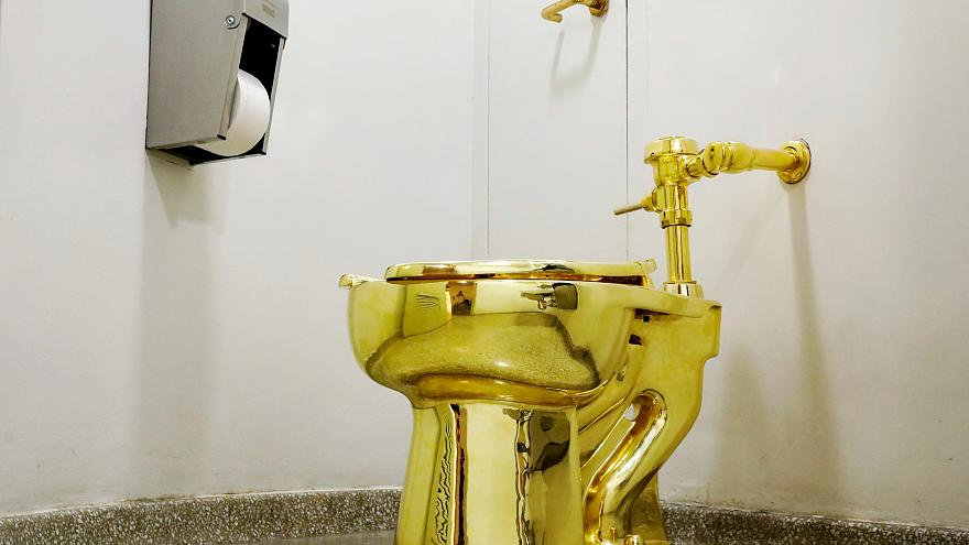 Trost für Trump: Goldene Toilette statt Van Gogh