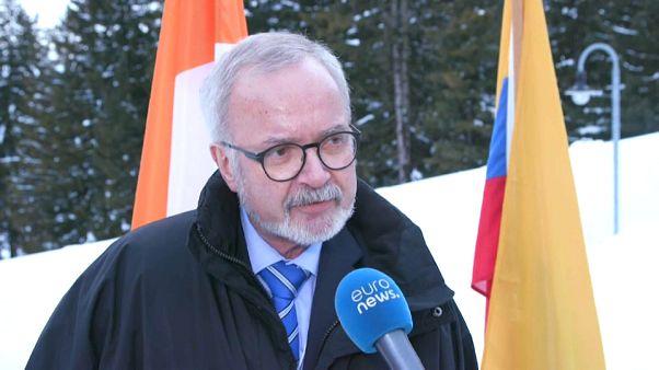 رئيس المصرف الاوروبي للاستثمار ويرنر هوير في دافوس