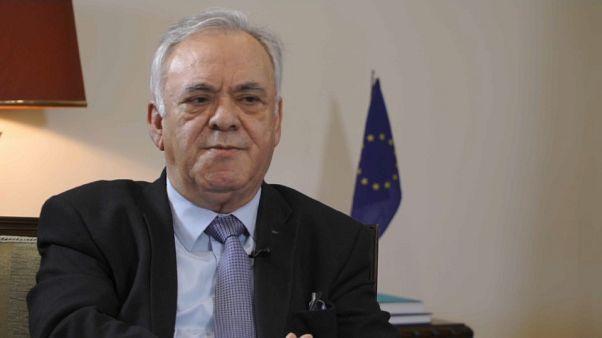 Il vicepremier Dragasakis: Grecia pronta a camminare con le sue gambe