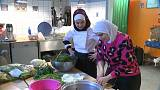 لاجئة سورية محجبة في ألمانيا تطهو لكبار ضيوف مهرجان برلين السينمائي