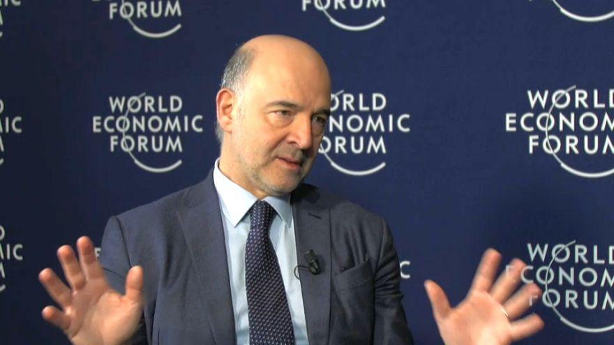 "Davos, Moscovici: ""Noi diversi da Trump"""