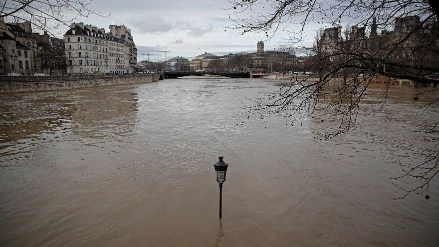 100 éve nem volt ekkora árvíz Párizsban, a java pedig még hátra van