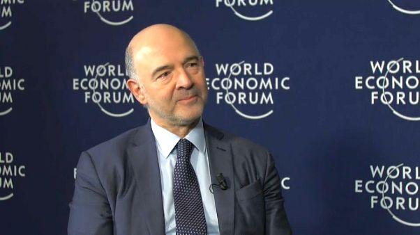 """Moscovici defiende la vía europea frente al """"America First"""" de Trump"""