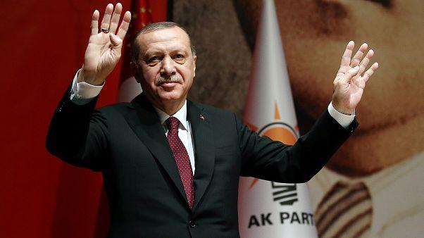 Erdogan droht mit Ausweitung der Syrien-Offensive
