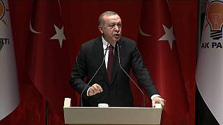 Erdogan menace d'élargir l'offensive contre les Kurdes