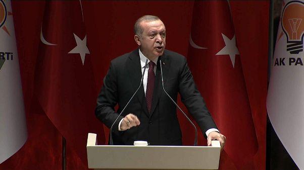 Erdogan menace d'élargir l'offensive contre les Kurdes