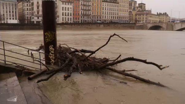 Lyon'da sel alarmı