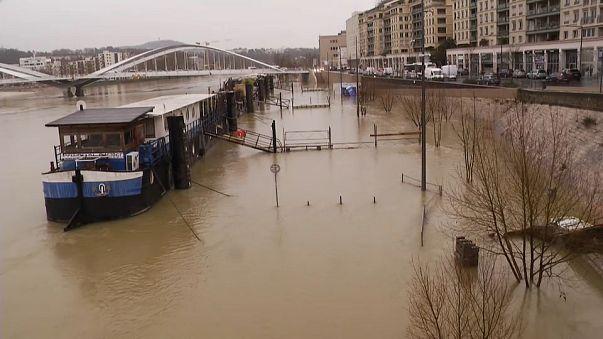 Alerta en Lyon ante la crecida de los ríos Ródano y Saona