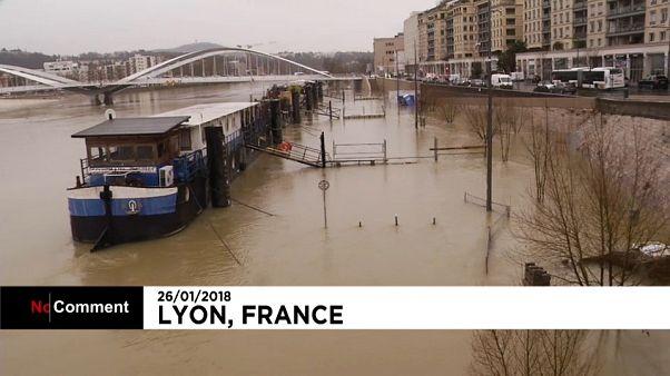 A Lyon, spectaculaire crue de la Saône