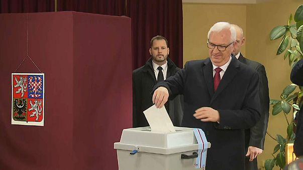 Çek halkı cumhurbaşkanlığı seçimin 2. turunda sandık başına gitti