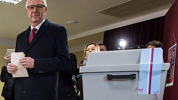 Jiri Drahos é o candidato que desafia o poder de Milos Zeman