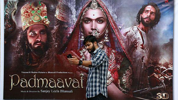 Hindistan'ı karıştıran film gösterime girdi