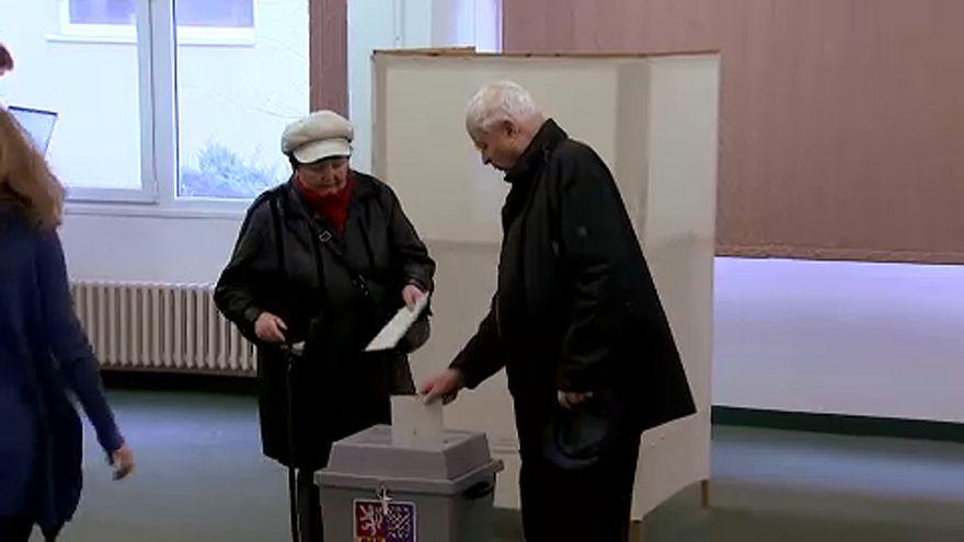 A cseh elnökjelöltek már pénteken szavaztak