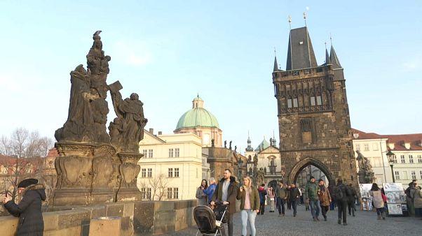 Los checos divididos entre nacionalismo y apertura