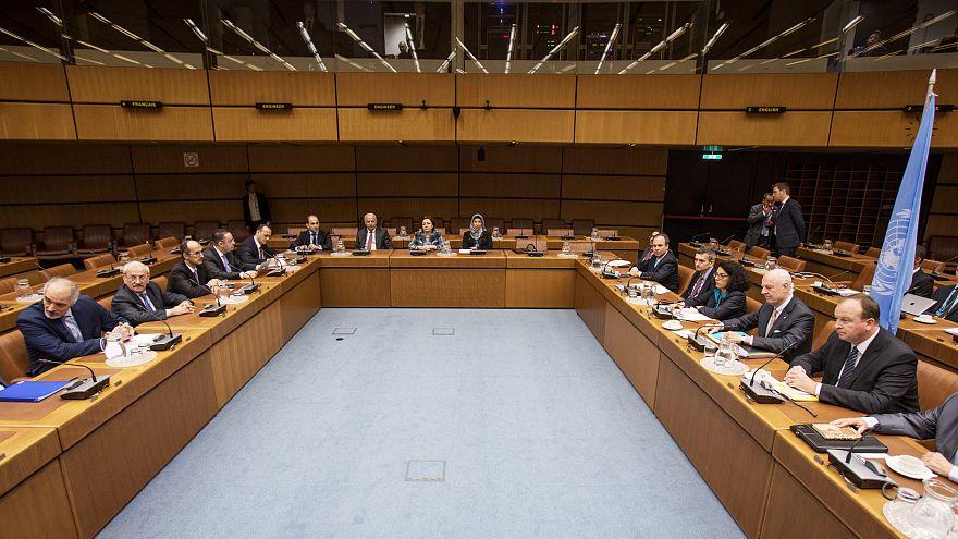 Les négociations entre Syriens sont au point mort.
