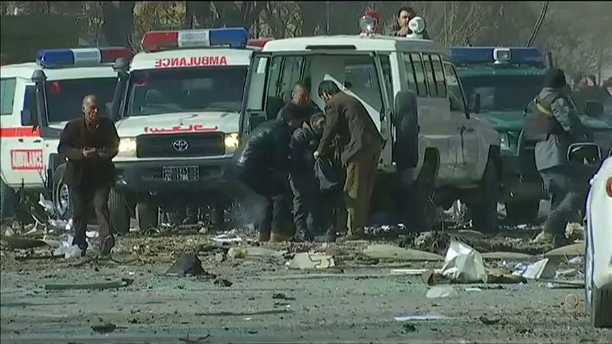 Esplosione a Kabul: morti e decine di feriti