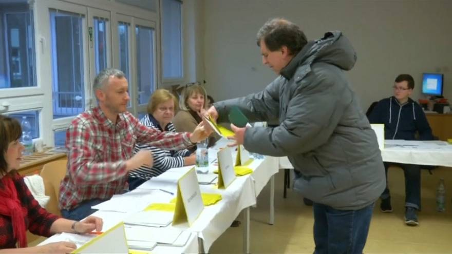Czech Republic votes in run-off presidential election