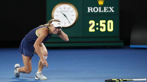 Caroline Wozniacki remporte l'Open d'Australie et redevient n°1 mondiale.