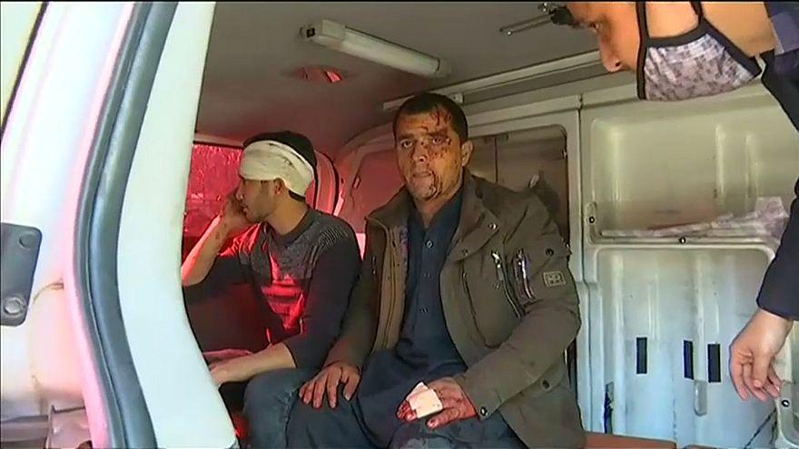 Massacro a Kabul: decine di morti in un attentato