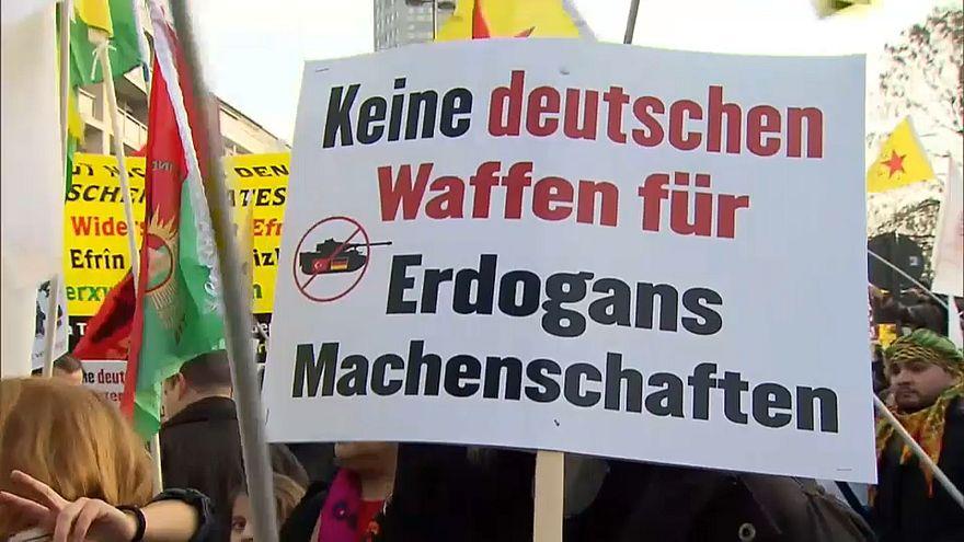 Des milliers de Kurdes contre Erdogan et le gouvernement allemand