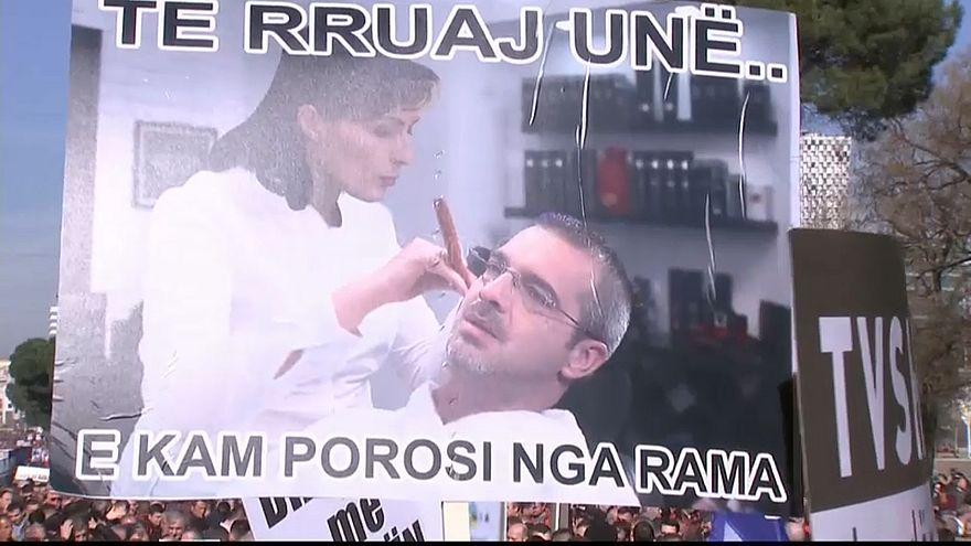 Regierungsfeindliche Demonstration in Tirana
