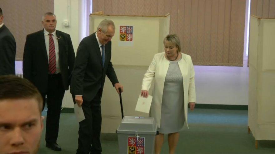 Milos Zeman votes in Czech Republic presidential run-off
