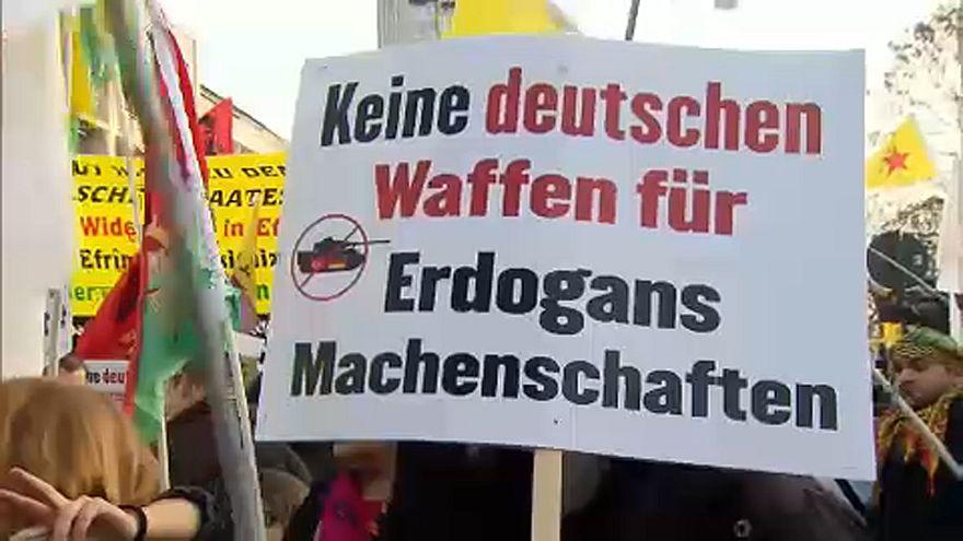 Német fegyvereladások ellen tüntettek