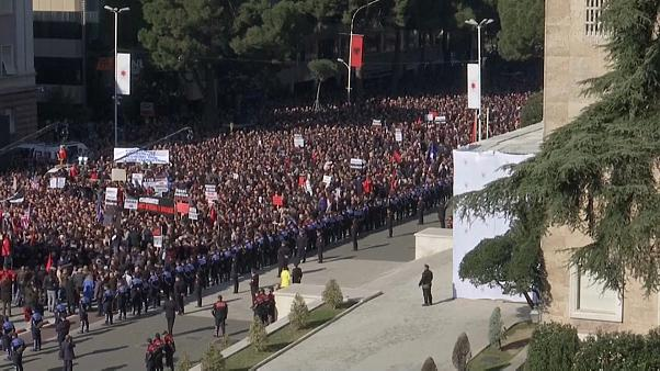 Albania: thousands take part in anti-government protests