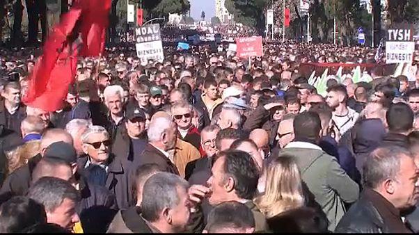 Ellenzéki tüntetés Albániában