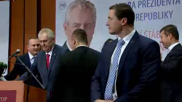 Çekya'da zafer Milos Zeman'ın