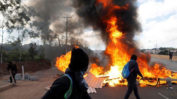 Ονδούρα: Εν μέσω διαδηλώσεων ορκίστηκε ο Ερνάντεζ