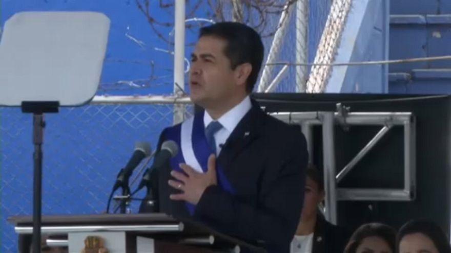 Hernandez: vitatott eskütétel Hondurasban
