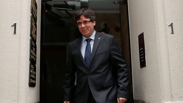 Justiça espanhola suspende investidura de Puigdemont