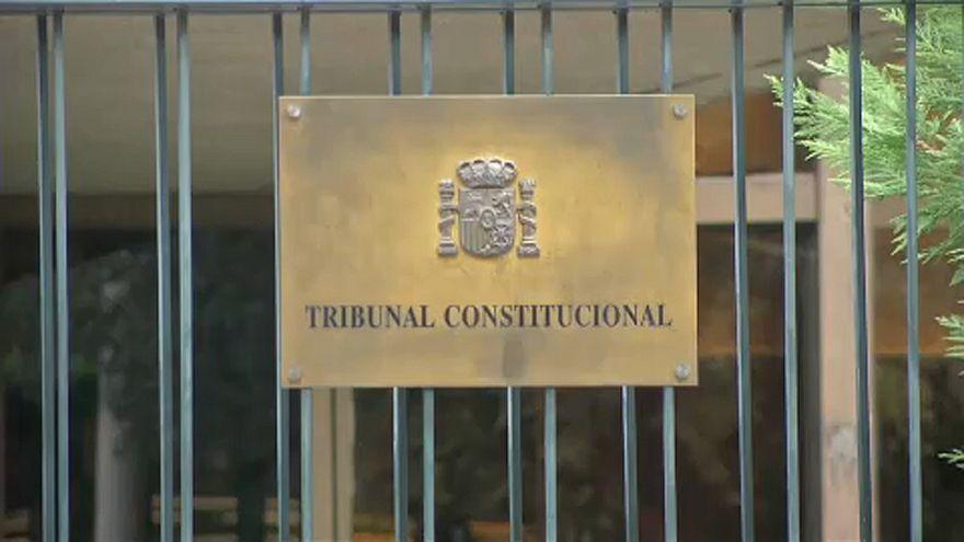 Spanyol alkotmánybíróság: csak személyesen kormányozhatna Puigdemont