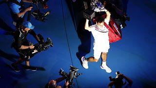 E vão 20 para Roger Federer