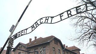 توتر بين إسرائيل و بولندا بسبب المحرقة النازية