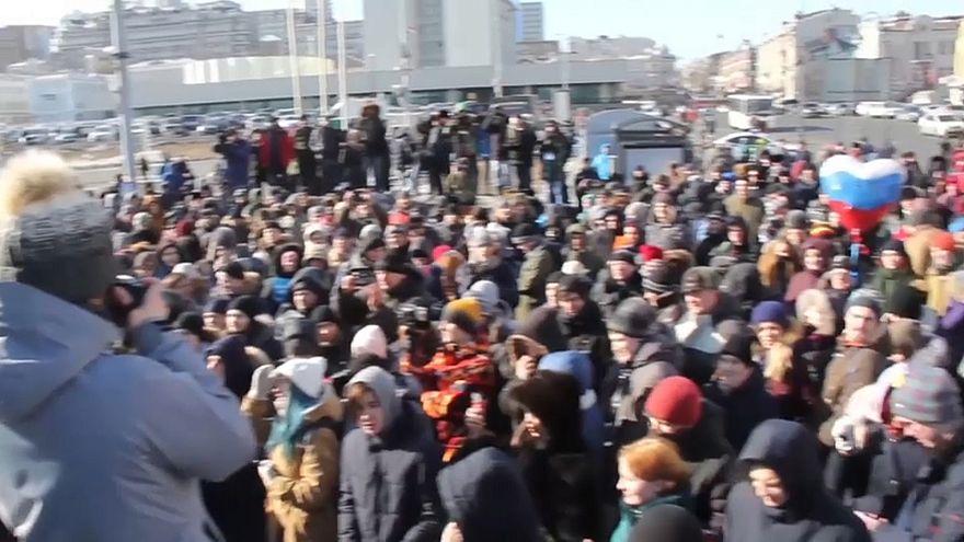 Arrestato e subito rilasciato Alexei Navalny. Manifestazioni contro la sua esclusione da presidenziali in Russia