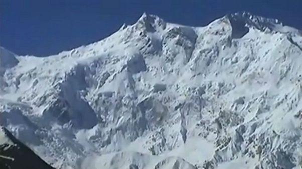 Θεαματική διάσωση ορειβατών στα Ιμαλάια
