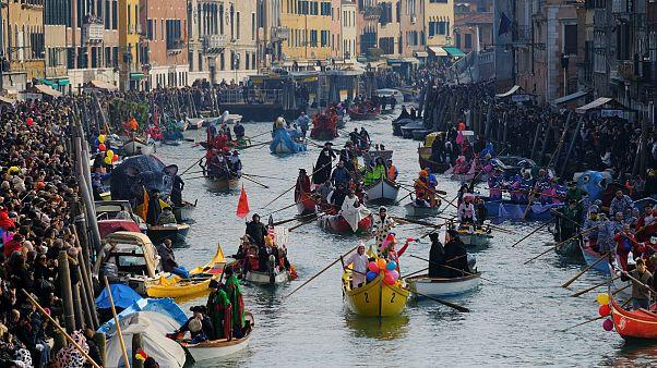 Venedk Karnavalı başladı
