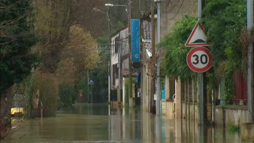 Nem okoz rendkívüli helyzetet a Szajna áradása