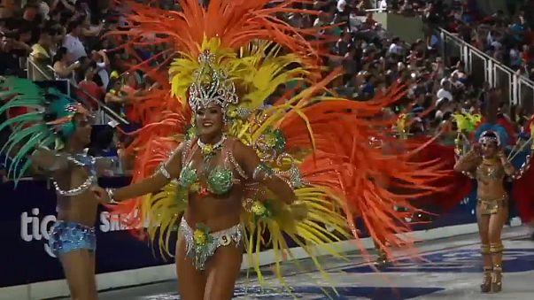 В Энкарнасьон начался карнавал - соперник Рио