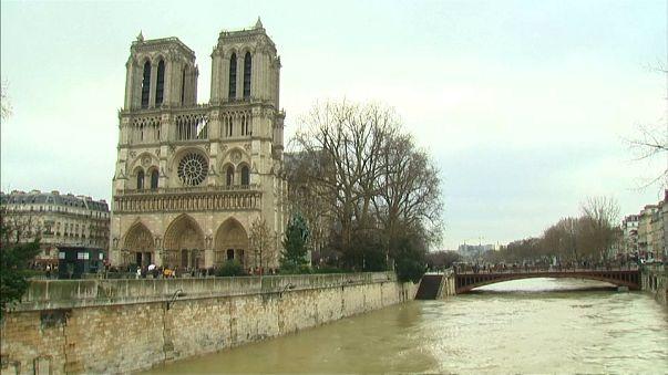 1.500 personas evacuadas en la región parisina por la crecida del Sena