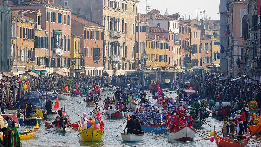 Maskeleriyle ünlü Venedik Karnavalı