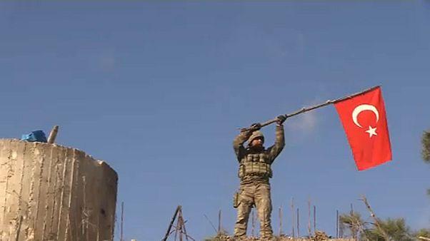 Folytatja a kurdok elleni támadást Szíriában a török hadsereg