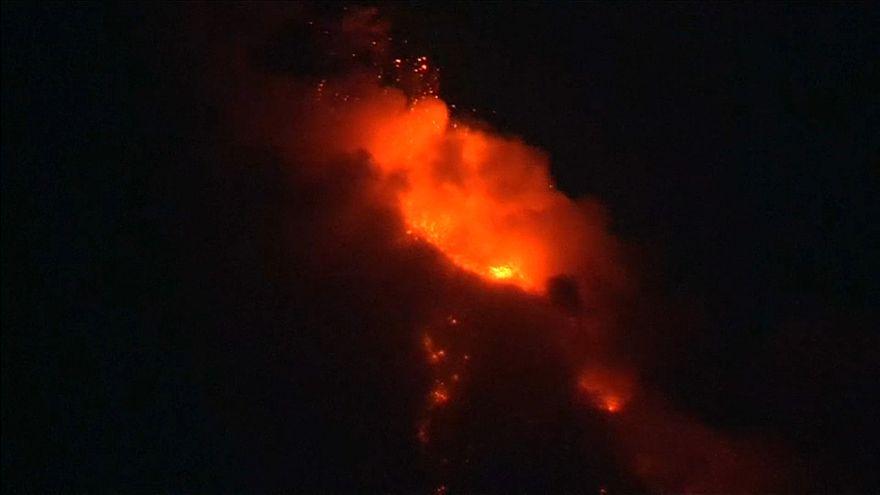 Неспокойный вулкан Майон