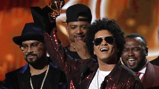 Bruno Mars conquista 6 Grammys